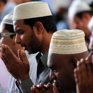 Raport – Islamul: Religie majoritară în 2100